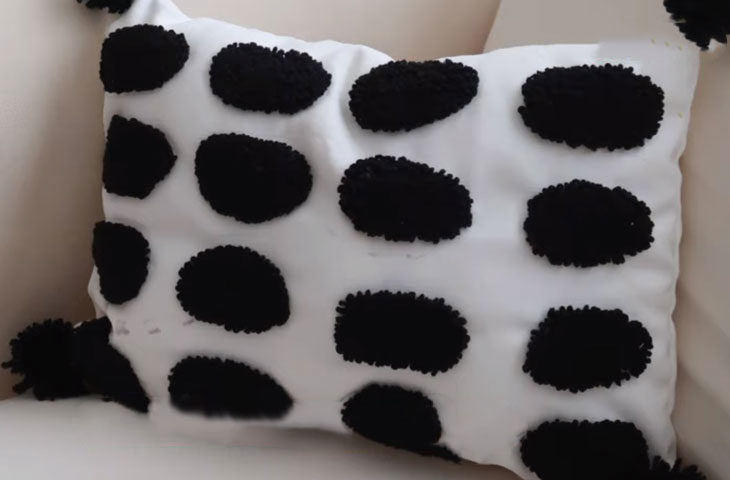yastık panç nakışı