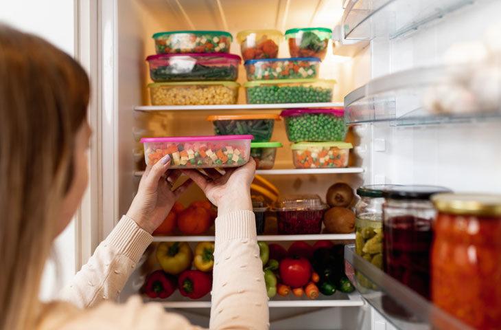 Buzdolabındaki kötü kokuları gidermek için yapılabilecekler