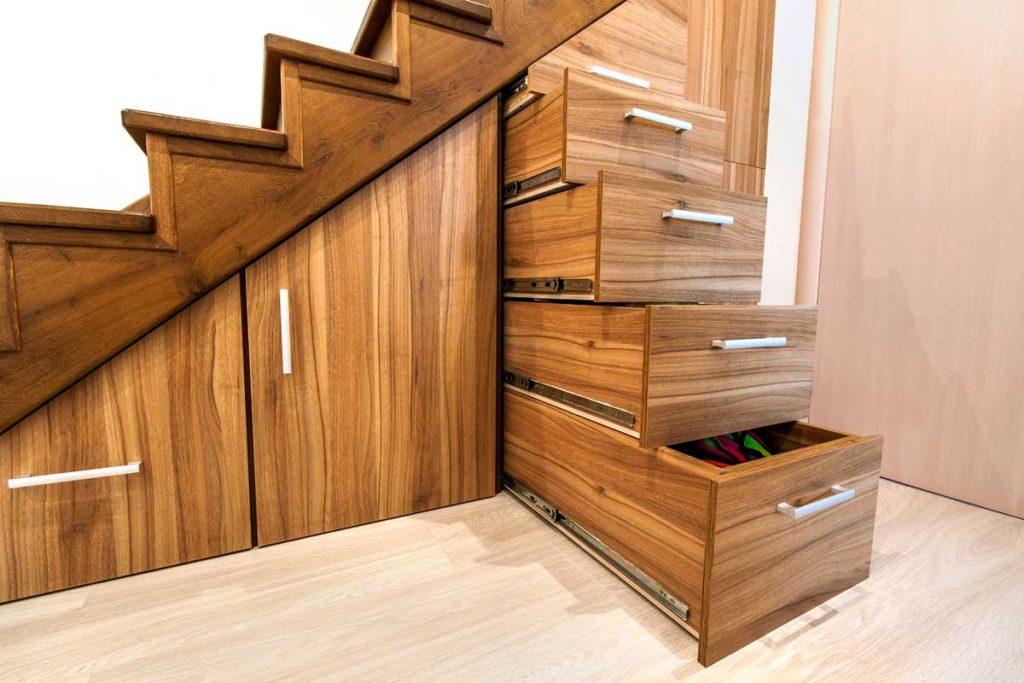 Merdiven altı dolap