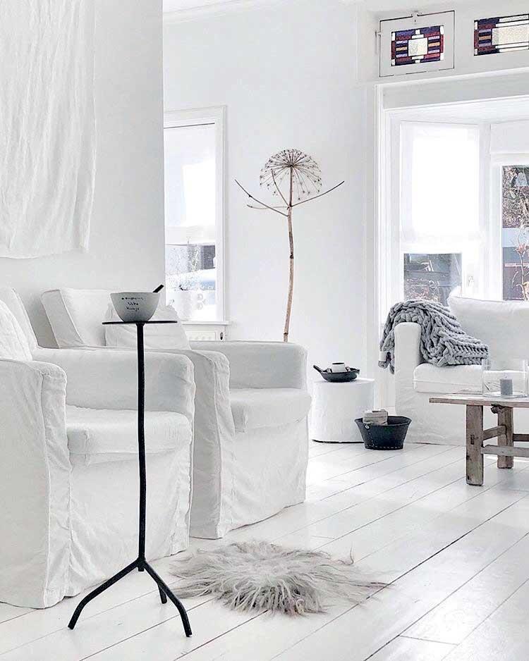 Beyaz oturma alanı